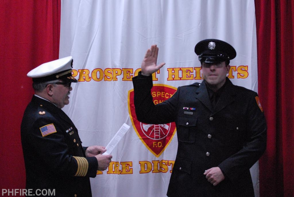 FF Thomson taking the oath of office